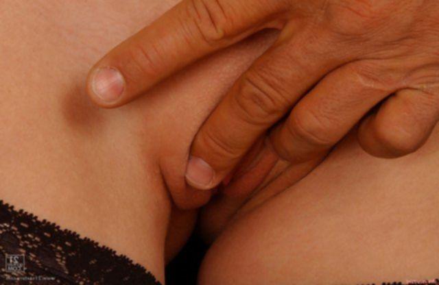 Бесплатные фото секса со стройной красоткой в чулках