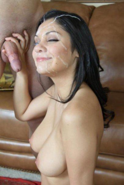 Любительские фото молодых леди с силиконовыми сиськами и в сперме