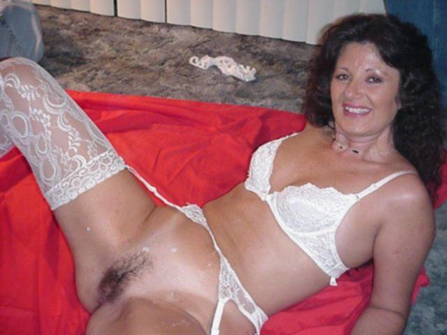 Лохматые влагалища и лобки домохозяек возбуждают на секс