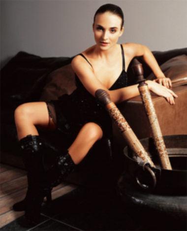 Голая знаменитость Анна Снаткина занимается групповым сексом